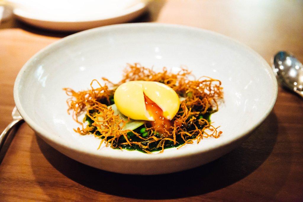 Marinated Taiyouran egg, legumes and rocket