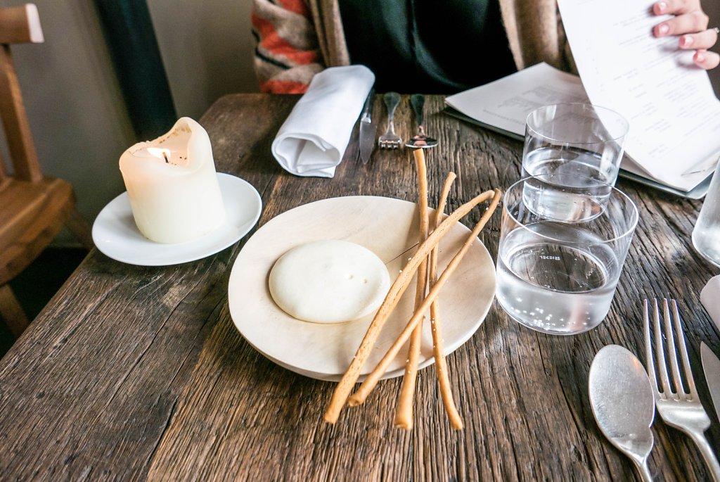 Bread sticks & cream cheese