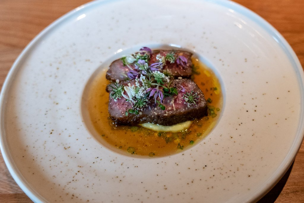Wagyu (gunma A5), sweet corn cream, red curry condiment & herbs